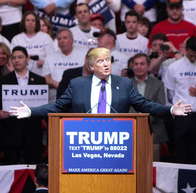 Donald_Trump_2016-625